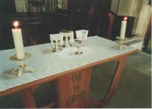 Nave altar